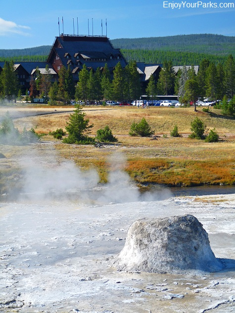 Beehive Geyser, Upper Geyser Basin, Old Faithful Area, Yellowstone Natioinal Park.