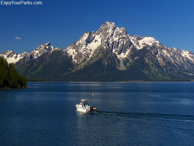 Colter Bay and Mount Moran, Jackson Lake, Grand Teton National Park