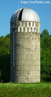Grain silo, North Dakota