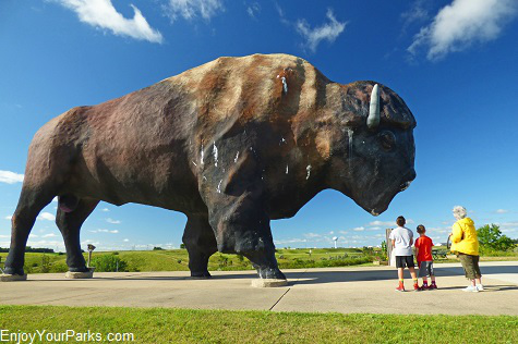 Dakota Thunder,,,Largest buffalo in the world, Jamestown, North Dakota