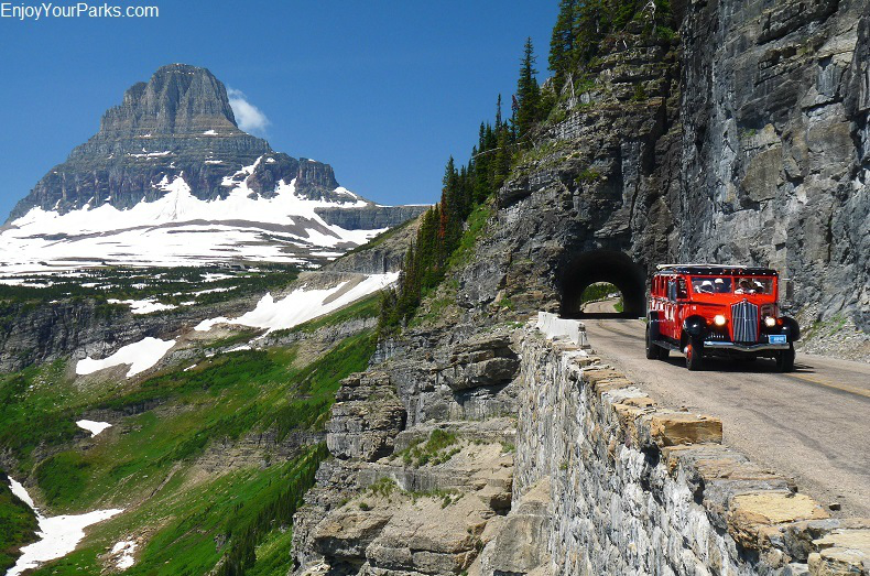 Going To The Sun Road in Glacier Park Montana